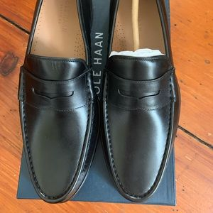 New men's cole Haan loafers black size 9